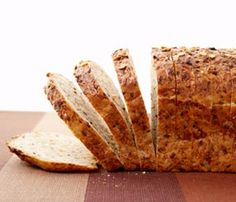 8 Reasons Wheat is Making You Gain // loaf of wheat bread © Thinkstock