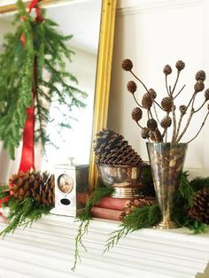30 Gorgeous Holiday Mantel Decorating Ideas | Midwest Living