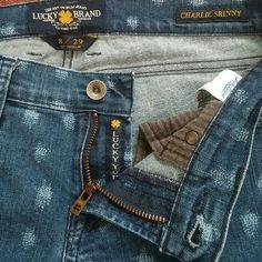 """Lucky Brand Charlie Skinny Size 8/29 29"""" inseam skinny cute print through out. Gently worn. Lucky Brand Jeans Skinny"""