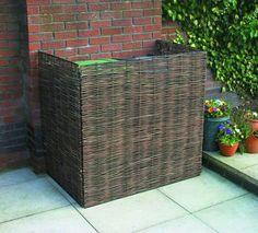 Willow Wheelie Bin Screen - so need this to hide plastic bins! Back Gardens, Small Gardens, Outdoor Gardens, Garden Fencing, Garden Planters, Garden Projects, Garden Tools, Bin Store, Garden Screening