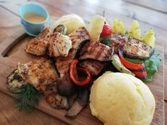 Restaurant, Facebook, Meat, Chicken, Food, Diner Restaurant, Essen, Meals, Restaurants