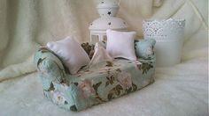Wesega / Dekoračný obal na papierové-biele ruže Armchair, Box, Cover, Handmade, Furniture, Home Decor, Sofa Chair, Single Sofa, Snare Drum