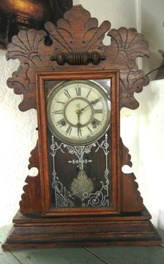 Antique Waterbury Co. Mantle Parlor Kitchen Gingerbread Clock