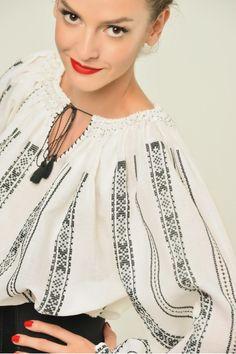 Ie Traditionala Romaneasca Maneca Lunga Motivul Razboi 8 Folk Costume, Costumes, Linen Fabric, Ukraine, Fashion Accessories, Portraits, Traditional, Embroidery, Blouse