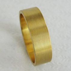 Goldring breit herren  Herren Gold Wedding Band 10 mm breit gebürstet flach 10k ...
