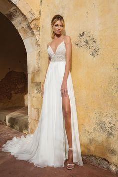 Yellow Wedding Guest Dresses, Slit Wedding Dress, Wedding Dresses Plus Size, Dream Wedding Dresses, Bridal Dresses, Prom Dresses, Wedding Dress Beach, Country Wedding Gowns, Camo Wedding