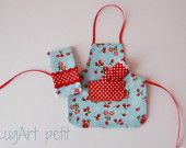 Sweet apron with oven mitts for your dollhouse..