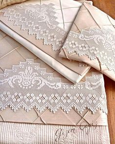 Fillet Crochet, Linens And Lace, Linen Tablecloth, Candle Lanterns, Doilies, Free Crochet, Needlework, Free Pattern, Diy And Crafts