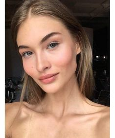 Discover latest Grace Elizabeth trends, News inspration, style and other ideas to try. Get updated with all Grace Elizabeth news and latest articles including celebrities, fashion, hot trends and much more! Beauty Make-up, Beauty Hacks, Hair Beauty, Glowy Makeup, Flawless Makeup, Fresh Face Makeup, Clean Makeup, Makeup Brush, Make Up Looks
