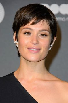 LaineyGossip|Gemma Arterton's short hair and one shoulder
