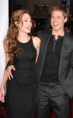 brad pitt and angelina jolie | jolie-pitt_angelina_jolie_and_brad_pitt_laughing_off_rumors_thesunblog ...