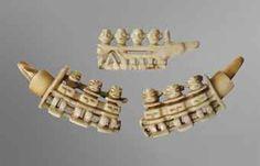 TROIS ORNEMENTS D'OREILLE, PUTAIANA THREE MARQUESAS ISLANDS IVORY EAR ORNAMENTS, PUTAIANA