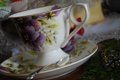 Mad Hatter's Tea Party Antique Plates, Mad Hatter Tea, Teacups, Tea Time, Tea Party, Wonderland, Alice, Tableware, Antique Dishes
