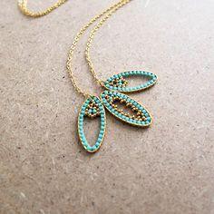 Le produit Collier dentelle de perles Miuki sur ovales en laiton doré à l'or fin est vendu par My-French-Touch dans notre boutique Tictail.  Tictail vous permet de créer gratuitement en ligne un shop de toute beauté sur tictail.com