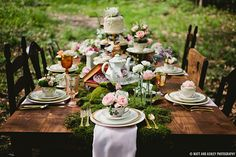 moss & teapots on cake stands Magical Alice In Wonderland Styled Shoot   Justin Alexander Blog