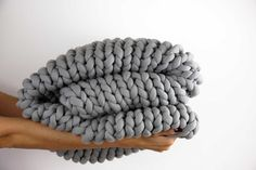 Vegan Chunky Blanket - all the hygge of extreme knitting, without the pain of caring for delicate unspun wool! -- www.knitsafari.com