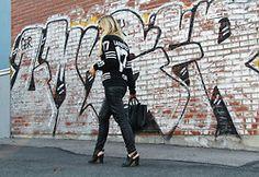 Ada Ekrem - Sheinside, Sheinside Sweater, H&M Leather Pants, Céline Bag, H&M Heels - What's up Lagerfeld?