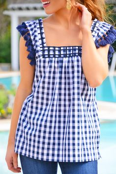 Gingham trend is not something very new but it becomes trend again and again. Here are some stylish outfit ideas for spring. Preppy Winter Outfits, Cute Summer Outfits, Summer Clothes, Preppy Mode, Preppy Style, Outfits Fo, Stylish Outfits, Gingham Shoes, Blue Gingham