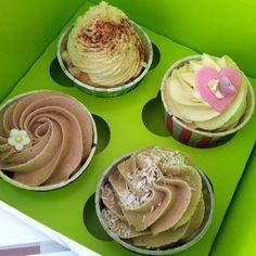 Victoria gone Bananas, Fridas Cinammon Apple Crumble, Summer Love & Choco-Coco, join us for fika! #fika #cupcake #dessert #lunch #apple #banana #coffee #strawberry #coconut #yummy #fint #gott #pretty #göteborg #linné