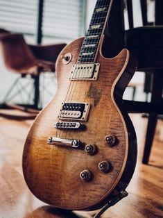 Banjo, Ukulele, Guitar Chords, Acoustic Guitars, Guitar Strings, Guitar Pedals, Guitar Art, Cool Guitar, Les Paul Guitars