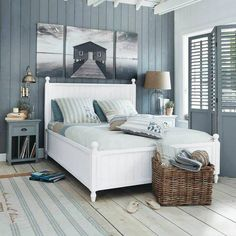 20+ Modern Coastal Bedroom Design And Decorating Ideas To Inspire You - TopDesignIdeas