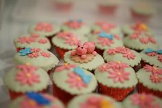 Pink piggy cupcake