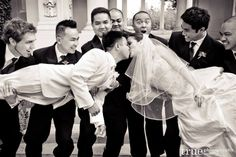 Fun wedding photo ideas  i remember doing this once, it was a fun shot.