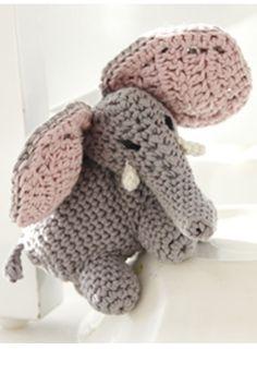 Sød, hæklet elefant