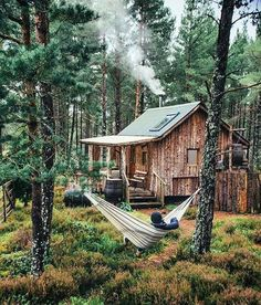 Want to experience the goodness of living in a country-style house and away from the city, and if you love hands-on, log cabin kits is the solution. Tiny House Cabin, Log Cabin Homes, Log Cabins, Little Cabin, Forest House, Cabins And Cottages, Cozy Cabin, Cabins In The Woods, Future House