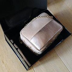 Gold & Grège  #celiaetlouise #onlinecustom #personalizedhandbag #madeinparis