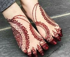 Henna designs for women are the exceptionally extraordinary tradition in Asians countries festivals and events. Beautiful and adorable Henna patterns and styles play the vital role in all our celebrations and occasions. Mehndi Designs Feet, Finger Henna Designs, Legs Mehndi Design, Mehndi Designs For Girls, Modern Mehndi Designs, Dulhan Mehndi Designs, Mehndi Design Pictures, Wedding Mehndi Designs, Henna Tattoo Designs