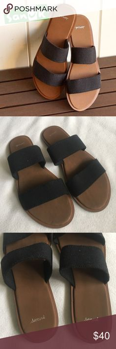 Sanuk Gola Gola Black Slide Sandal Super cute and Comfy Sanuk double strap Slides. Stretchy Fabric straps. Soft padded insoles. Size 9 true to size. In great condition barely worn. Feel free to ask questions or bundle to save! Thanks for shopping! Sanuk Shoes Sandals