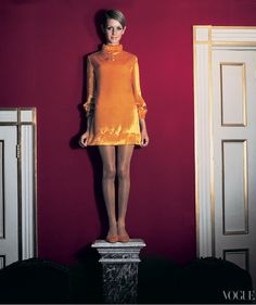 Twiggy. Photographed by Cecil Beaton, Vogue, 1967