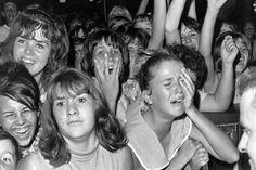 original_Beatles-Fans-1.jpeg (500×333)