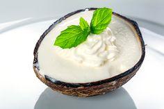 Kokos Eiscreme selbst hergestellt und das auch ganz ohne Eismaschine super lecker und in verschiedenen Variationen machbar