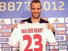 Medemblik - De wereldberoemde in Duitse dienst spelende voetballer Rafaël van der Vaart trekt zich het lot van Nathaniël en zijn lotgenootjes erg aan. Via zijn vader laat Rafaël weten dat hij voor ...