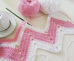 Örgü pembe-beyaz-zikzak-orguler How To Care For Crystal Gifts, China And Flatware Here is a summary Zig Zag Crochet Pattern, Chevron Crochet, Crochet Stitches Patterns, Baby Knitting Patterns, Easy Crochet, Crochet Baby, Crochet Ripple Blanket, Pink White, Fashion Hair