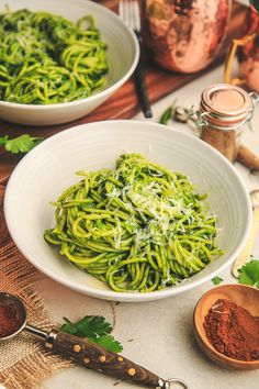 "Hariyali Spaghetti – The Chutney Life ""Haryali"" refers to pretty much anything green and traditionally it's got tons of cilantro, green chilis and occasionally mint, spinach, scallions etc. Chili Spaghetti, Spaghetti With Spinach, Spaghetti Recipes, Indian Food Recipes, New Recipes, Healthy Recipes, Ethnic Recipes, Healthy Meals, Recipies"