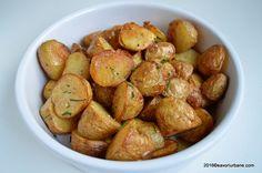 Cartofi noi cu usturoi la cuptor | Savori Urbane Quick Meals, Side Dishes, Deserts, Potatoes, Vegetarian, Eat, Ethnic Recipes, Food, Amazing