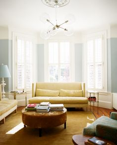 A light and colorful living room. (the shutterbugs: melissa kaseman.)