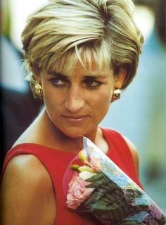 Diana had no one to turn to, no one to protect her, no guidance or loving care from the Monarchy she served.  William will do it differently with Kate :)