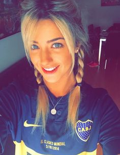 boca juniors Football Girls, Girls Soccer, Soccer Fans, Sporty Girls, Football Fans, Argentina Soccer, And Just Like That, Flawless Beauty, Fifa World Cup