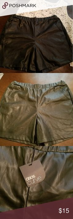 Asos Curve Shorts Leather like Shorts w/pockets, stretchy and comfy. Length from waist 16in.long Shorts