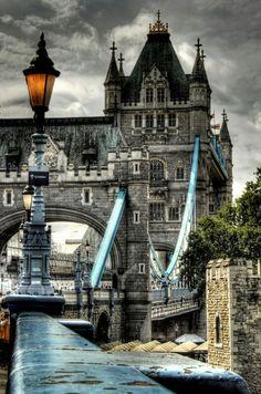 Amazing shot of the Tower Bridge, #London, #England