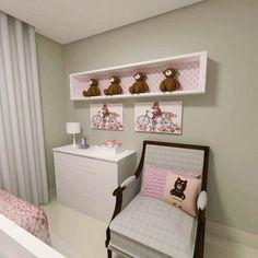 Decorar dormitórios para bebês pode ser muito mais fácil e barato do que você imagina, basta utilizar algum móvel que você já tenha e complementar com alguns objetos de decoração