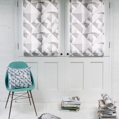 Make a stunning statement with our made-to-measure Geo roller blind, available in black out or standard fabric.