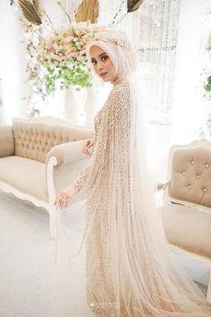 Muslim Wedding Gown, Malay Wedding Dress, Kebaya Wedding, Muslimah Wedding Dress, Disney Wedding Dresses, Pakistani Wedding Dresses, Wedding Attire, Dream Wedding Dresses, Bridal Dresses