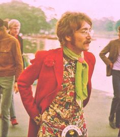 John Lennon in the I had my first experience with music with the Beatles at Maple Leaf Gardens in Toronto in 1963 at the tender age of John Lennon, Psychedelic Fashion, Psychedelic Rock, Psychedelic Pattern, Woodstock, Ying Gao, Raul Diaz, 70s Fashion, Vintage Fashion