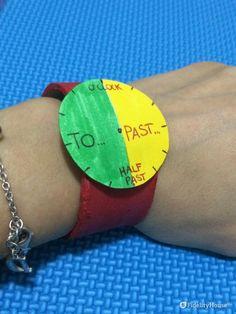 Realizzato ritagliando un tubo di cartone, ricavato dal rotolo di carta assorbente finito...ci aiuterà nella memorizzazione della lettura dell'orologio, in lingua inglese. Un modo giocoso e divertente per imparare!