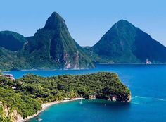 St. Lucia Island, Caribbean > Watch: http://destinations-for-travelers.blogspot.com.br/2014/08/st-lucia-island-caribbean.html